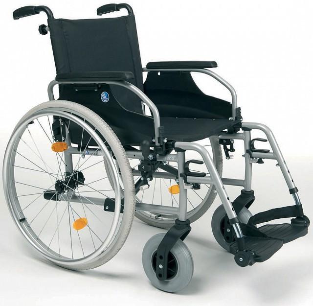 Sedie a Rotelle Leggere da Auto-spinta D200, vermeiren_d200, 792 €